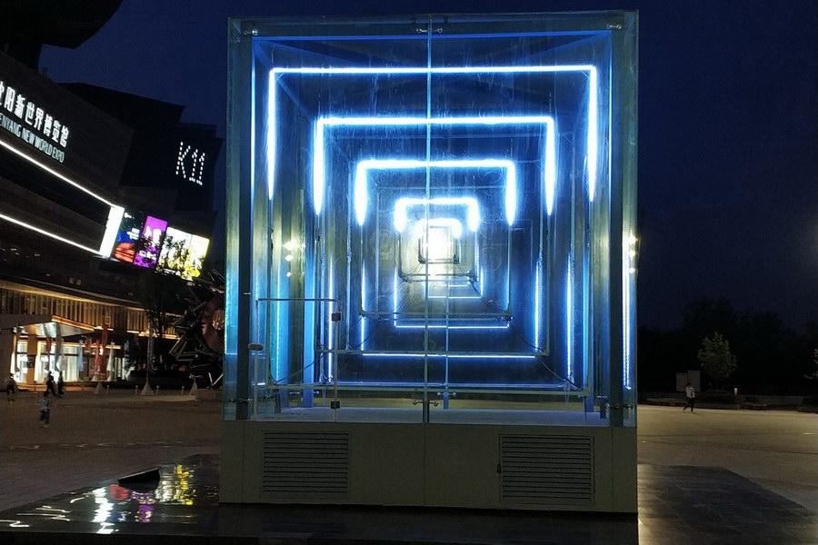 霓虹灯光雕塑
